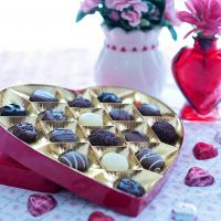 valentine candy and vase