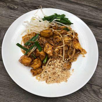 Moo Dang Thai Restaurant, Pad Thai
