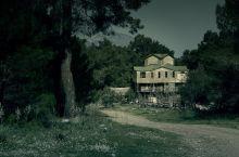 broken down haunted house