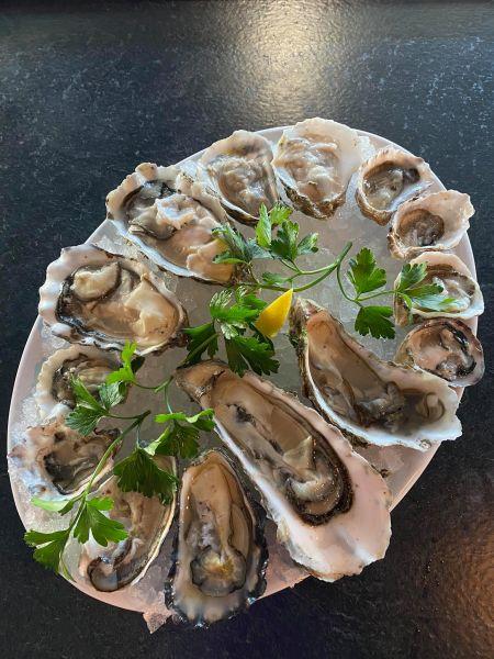 Smee's Alaskan Fish Bar, Oysters on the Half Shell